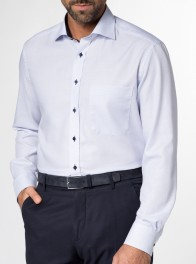 eterna vasalásmentes férfi ing kék anyagában mintás hosszított ujjú - modell