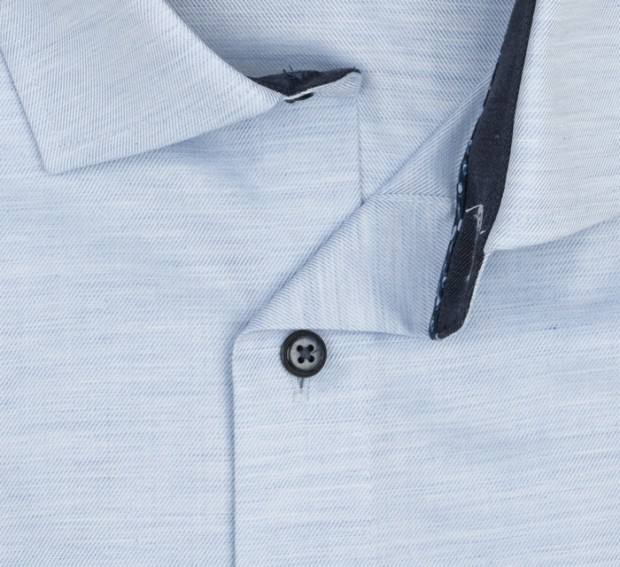 OLYMP vasalásmentes férfi ing karcsúsított hosszított ujjú világoskék anyagában átlós csíkos - gallér