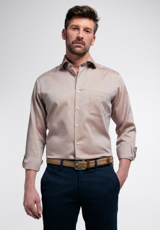 eterna vasalásmentes karcsúsított férfi ing világosbarna - modell