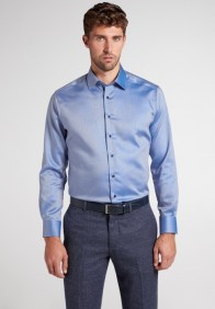 eterna vasalásmentes karcsúsított férfi ing kék anyagában csíkos - modell